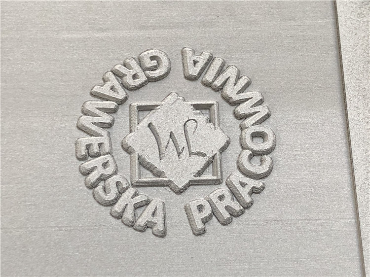 3D লেজারের চিহ্নিত মেশিনের পৃষ্ঠ যন্ত্র আরো সম্ভাবনার দেয়