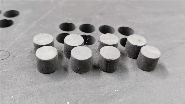 Vibrating knife cnc cutting machine cut EVA 10mm with diameter 10mm